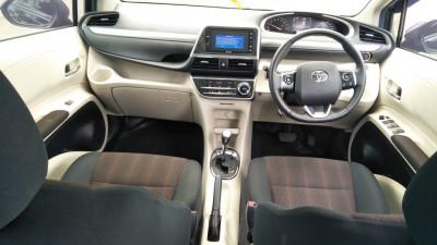 2017 Toyota Sienta 1.5 Q CVT Garansi Mesin & Transmisi