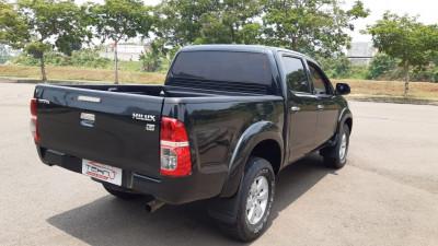 2012n Toyota Hilux 2.5 G DC 4X4 M/T